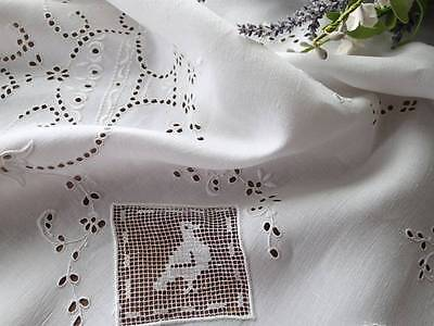 Antique BIRDS Embroidered Filet Eyelet Lace Linen Tablecloth Topper Centerpiece