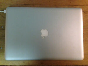 "15"" MacBook Pro (2011) for parts - Good Screen, Battery"