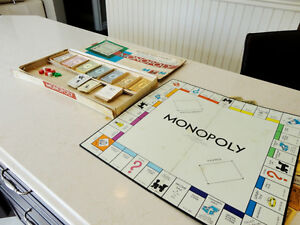 Vintage 1961 Monopoly Board Game (With some bonus other money) Kitchener / Waterloo Kitchener Area image 6