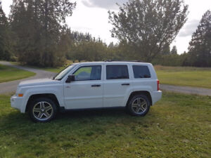 2008 Jeep Patriot **North Edition** MANUAL, CLEAN & RUNS GREAT!!