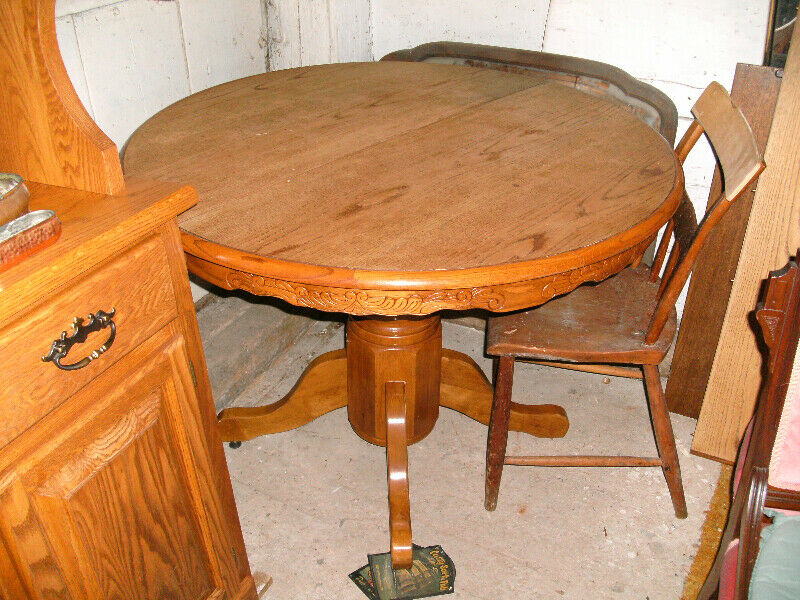 round pedestal table k  dining tables  sets  ottawa