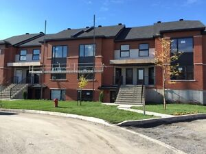 Beautiful NEW 2 bedroom condo Dix30 Brossard