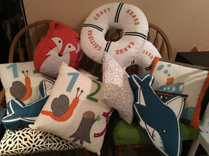 9 EUC Children's Pillows - Perfect for a reading nook $50 FIRM Cambridge Kitchener Area image 1