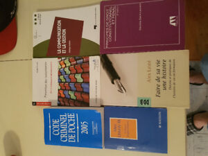 Livres universitaire crimino 20$ le lot