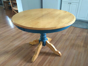 Solid Wood Dining/Kitchen Table