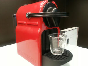 NESPRESSO INISSIA COFFEE MACHINE by DeLONGHI