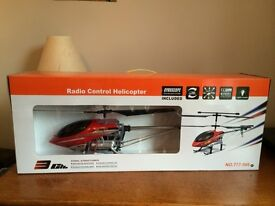 Radio controlled helicopter large