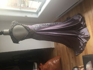 Elegant Prom Gala Dress Robe - Like New! Comme neuf!