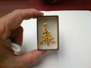 Vintage Christmas Tree Brooch.