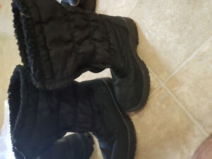 Snowy shoes