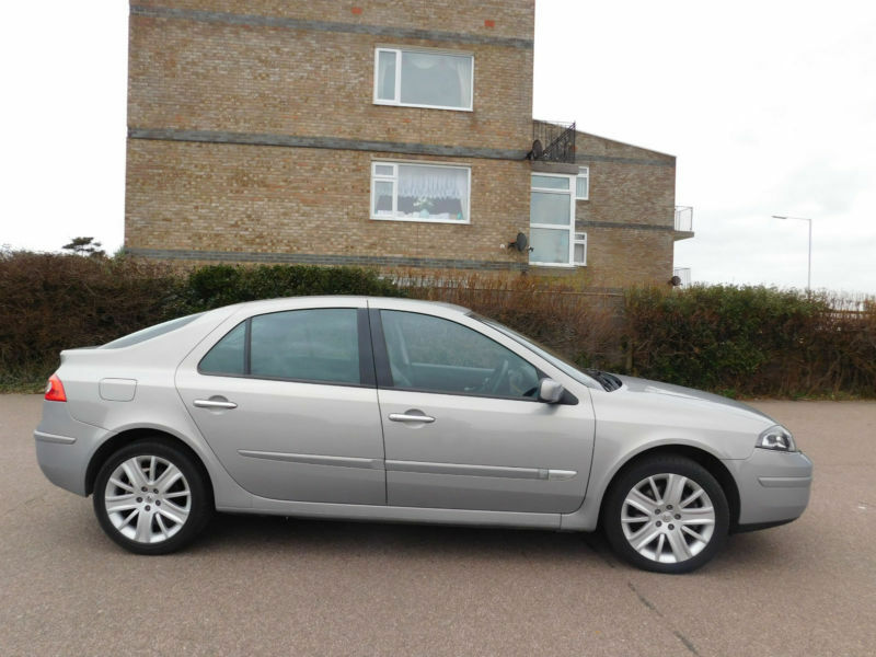 renault laguna 3 0 v6 24v auto initiale in clacton on sea essex gumtree. Black Bedroom Furniture Sets. Home Design Ideas
