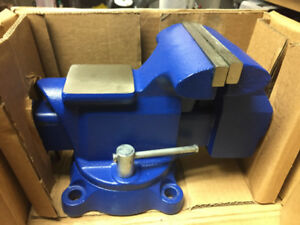 Yost Vises 455 Combination Pipe and Bench Vise 5.5-Inch Utility