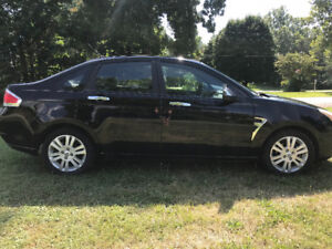2009 Ford Focus SEL – As is | Bluetooth | Heated Lthr Seats |