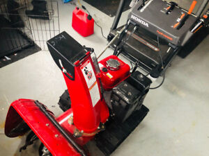 Honda Snowblower for sale-mint condition