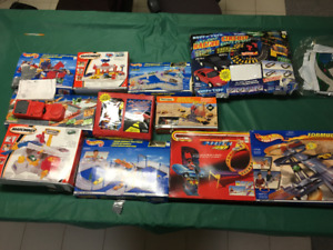 Hot Wheels / Car Track Collection (10) + Toy Vehicle Set