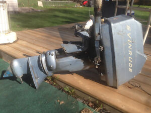 Vintage 15 hp Evinrude Worktwin motor