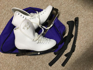 Girls Figure Skates with case and blade covers