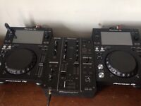 Pair of Pioneer xdj-700s and a djm-350 mixer FOR SALE