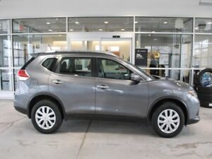 2015 Nissan Rogue S  - one owner - ex-lease - Bluetooth - $127.8