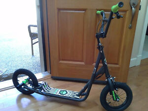 """MONGOOSE SCOOTER....""""12 Inch - Expo"""""""