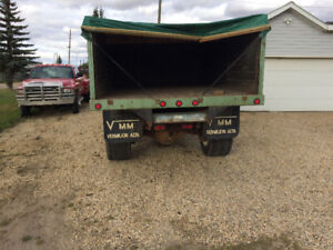 Acreage to ton truck with dump box