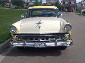 Ford Fairlane 1955. Excellent Condition. Show Car