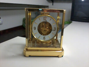 xxx  EARLY EDITION  ATMOS  CLOCK !!! MINT CONDITION !!!