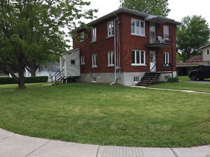 Duplex in sought-after Dorval South