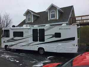 2008 motorhome 32 Ford in mint condition with only 21,000 km