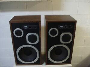 Sansui S-40 c Speakers