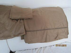 Ensemble de drap de satin de couleur brun pale lit 39 pces