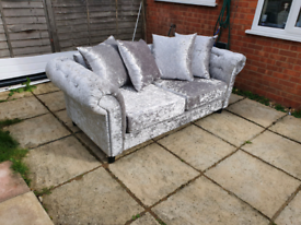 Chesterfild style 3 seater sofa crushed velvet silver