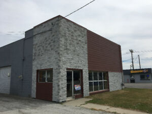 Commercial Building For Lease On High Traffic Road