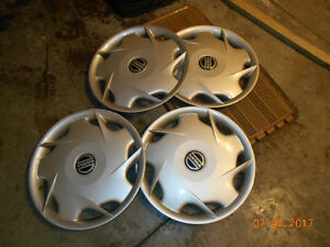 Set of wheel covers for volvo S70