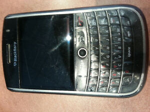 Blackberry 9630 Tour with charger & otterbox case