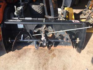 soufleuse pour tracteur gazon berk très propre presque pas utili