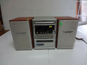 Lot # : 658 - Radio cassette et cd player ZENITH