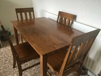 Kitchen Table & 4 Chairs Excellent Condition