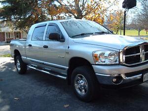 2008 Dodge grey Pickup Truck  MEGA CAB  4x4