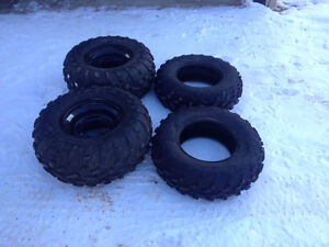 "Like new 25"" Polaris Sportsman 500 tires and rims only 200 KMS"