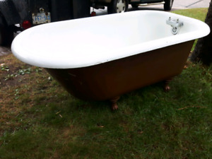 Bathtub-vintage Clawfoot 1935