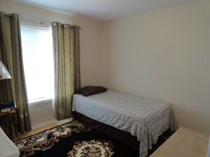 2 ROOMS FOR RENT IN BRIARWOOD