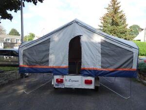 Mini tente roulotte Express, 450 livres, pour petite auto.