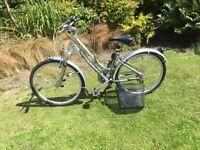 Giant Sedona DX Ladies/Girls Hybrid Bike Extra Small With Basket