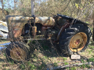 David Brown 990 Tractor – Best Offer (Need Gone!)