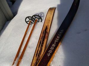 Skis de fond en bois vintage (1970) pour fondeur hipster!