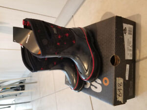Brand new Bogs for Toddler size 8