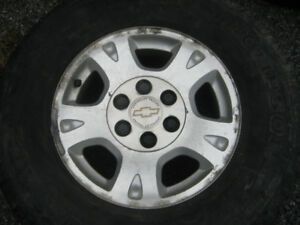 four chev 1500  17 in aluminum wheels and centers