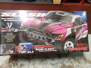 Pink Edition Traxxas Slash 2WD SCT Brushed RTR