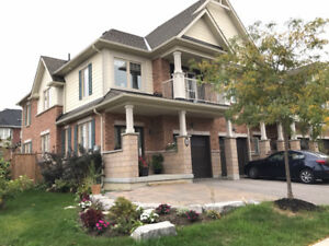 Show Stopper Corner Unit Townhome in Stouffville